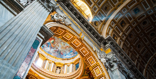 Descoperă statul Vatican, Italia